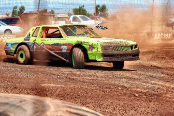 Shoots Photo Service race partner Tim Nay, @ Paradise Motor Speedway, Maui
