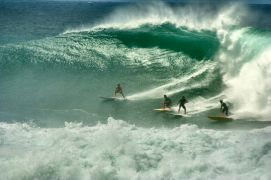 Waiamea Bay big wave surfing/surfwanderer.com