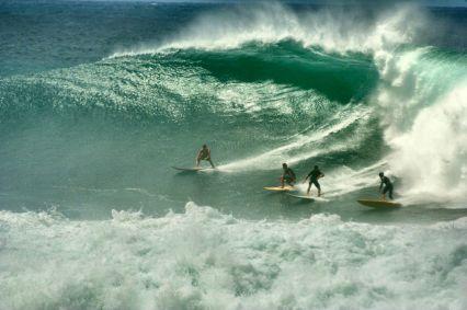 Waiamea Bay big wave surfing/surfwanderer.com