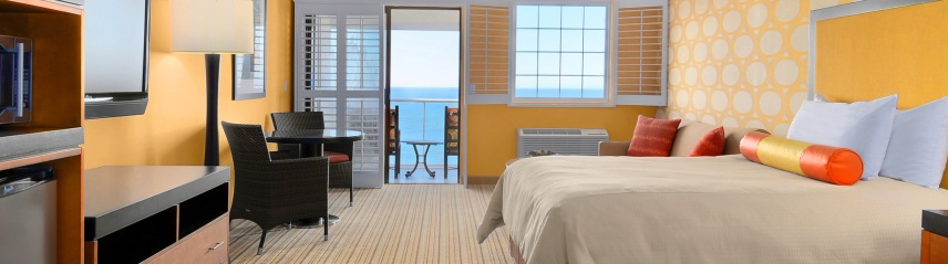 Deluxe_OceanFront_Rooms1