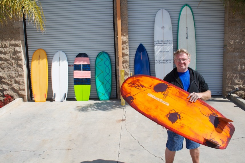 Ray Lucke and a plethora of his Lucky Lucke Mini Simmons  Photo: Tracht